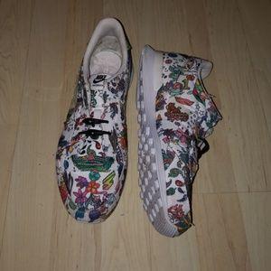 Floral print Nike Internationalist sneaker.